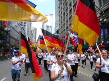 LCIC Chicago 2017_Internationale Parade Leos.png -