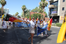 Internationale Parade 2.png -