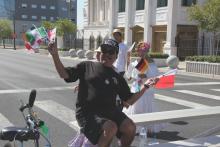 Internationale Parade 4.png -