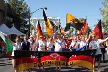 Internationale Parade 7.png -