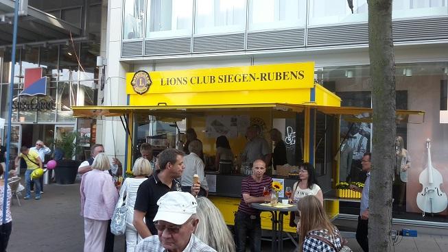 Verkaufsstand des LC Siegburg-Rubens