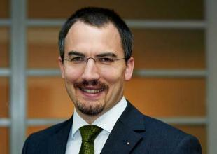 Dr. Christoph Moes