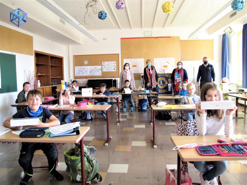 Grundschulkinder im Klassenzimmer