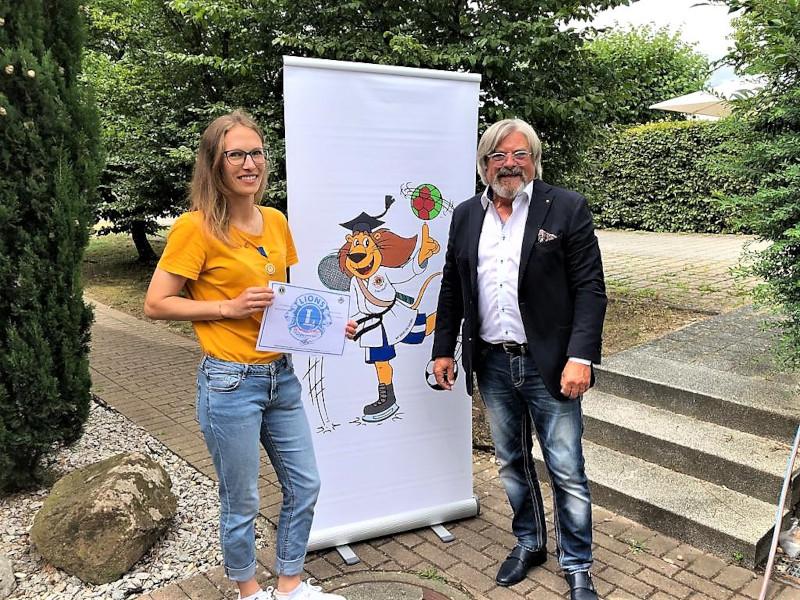 Projekt Lions Anpfiff mit Leonie Pankratz und Peter Behnert