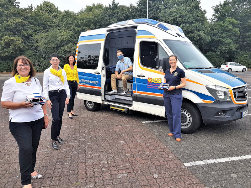 Lady Lions Langenfeld Spendenaktion mit ASB-Wünschewagen