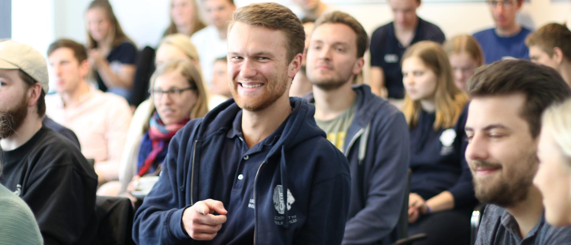 Leute beim Seminar